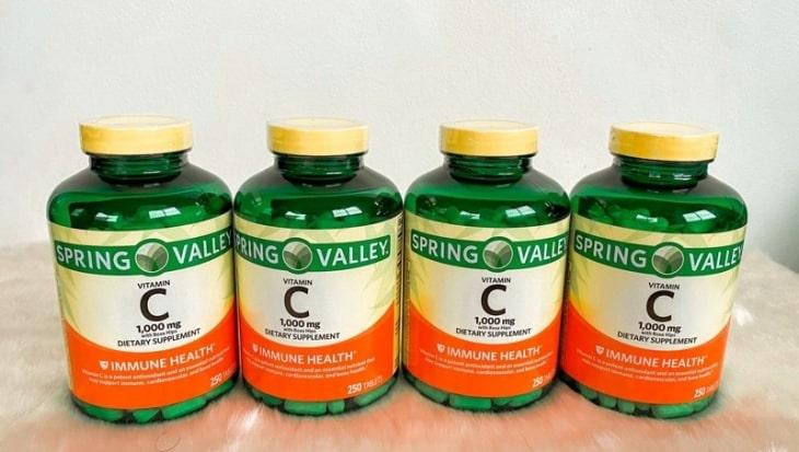 Mỗi ngày một viên Spring Valley Vitamin C 1000mg giúp chị em đẹp da
