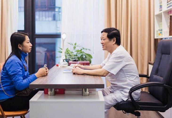 Bác sĩ Phạm Hồng Lãnh đã thành công trong việc điều trị vảy nến ở hàng nghìn bệnh nhân