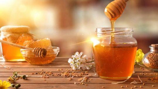 Sử dụng mật ong giúp hệ tiêu hóa hoạt động tốt hơn