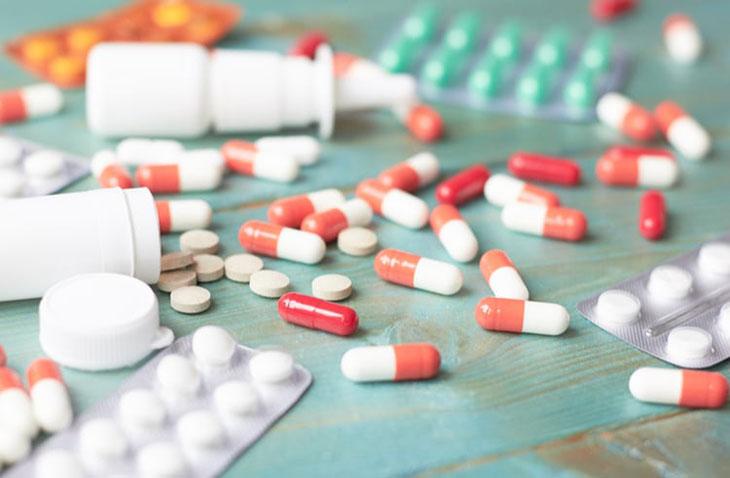 Phương pháp Tây y sẽ giúp người bệnh loại bỏ các cơn đau nhanh chóng