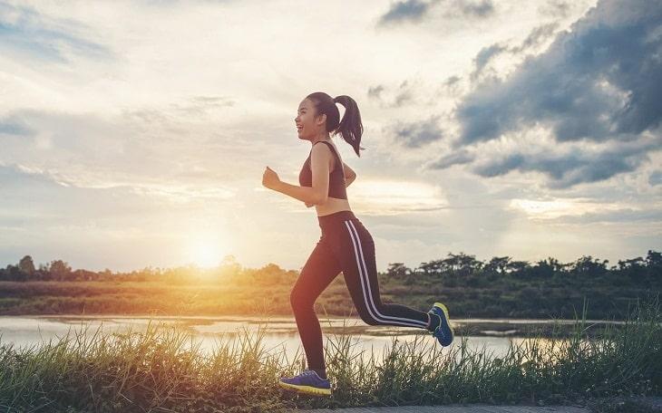 Vận động thường xuyên sẽ giúp đầu óc bạn tỉnh táo, nhanh nhẹn hơn