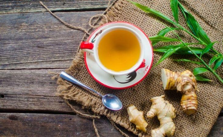 Người bệnh có thể uống trà gừng mỗi khi bị đau đầu