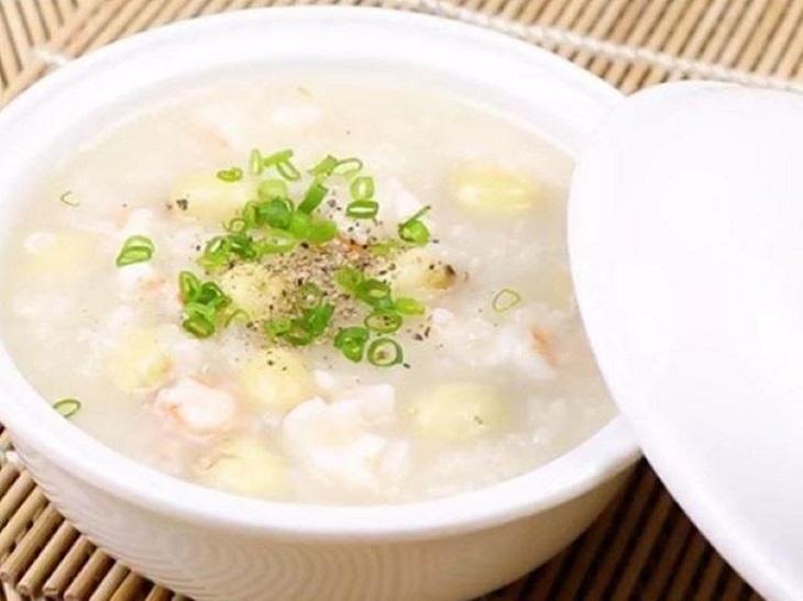Cháo hạt sen - Món ăn cho người bị xuất huyết dạ dày