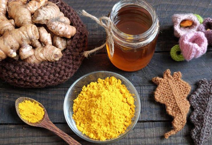 Hỗn hợp nghệ với mật ong giúp kháng viêm, tiêu diệt vi khuẩn HP
