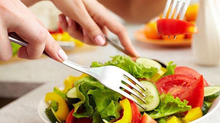 Chế độ ăn uống của người bị ợ chua nóng cổ