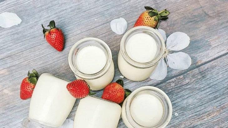 Trào ngược dạ dày nên uống sữa chua có nhiều lợi khuẩn
