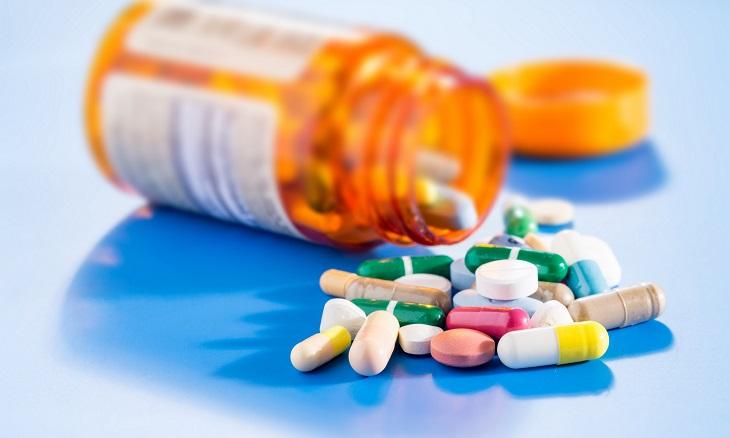 Thuốc Tây y cũng được kê đơn cho bệnh nhân