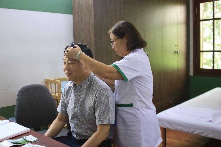 Mỗi bệnh nhân đều được bác sĩ chuyên khoa trực tiếp thăm khám, chỉ định phác đồ