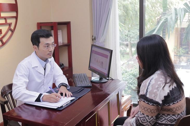 Các bác sĩ sẽ chia sẻ tình trạng bệnh cũng như phương pháp điều trị