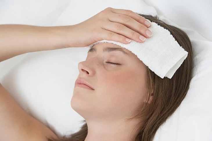Chườm ấm là biện pháp giảm đau tại chỗ hiệu quả