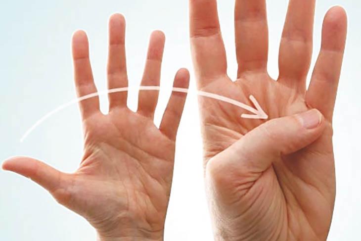 Vận động 10 ngón tay là bài tập đơn giản, ai cũng có thể thực hiện được