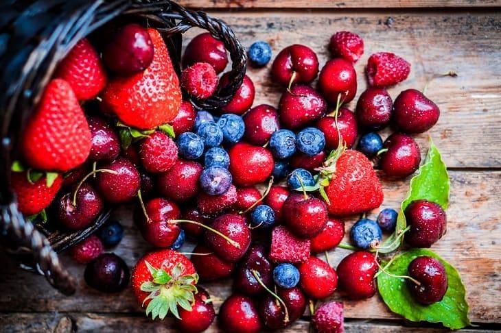 Quả mọng chứa vitamin K và chất chống oxy hóa dồi dào