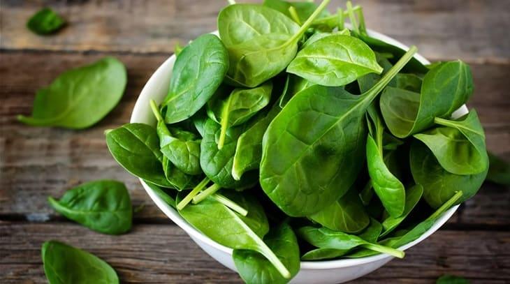 Đau đầu migraine nên ăn gì? Cải bó xôi, rau bina là gợi ý phù hợp