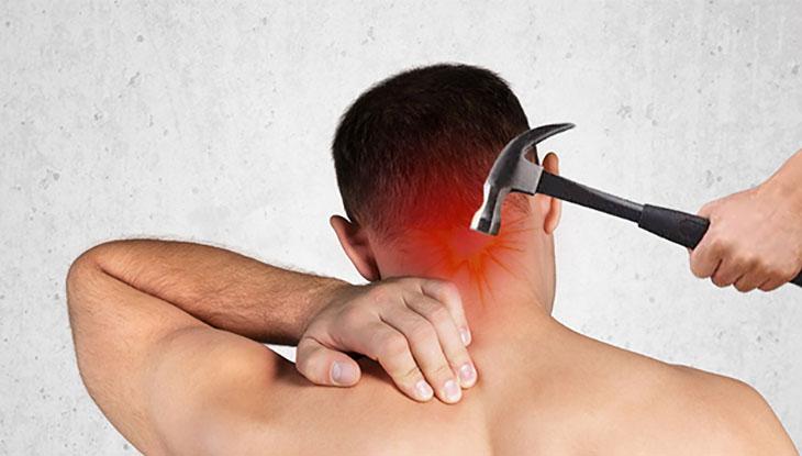 Các chấn thương vùng cổ gáy cũng có thể gây ra đau