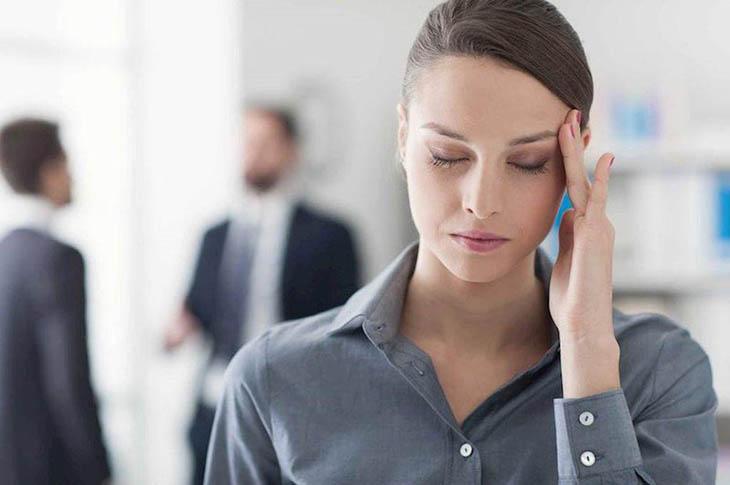 Đau nửa đầu là nguyên nhân phổ biến gây ra tình trạng đau đầu phía sau bên trái