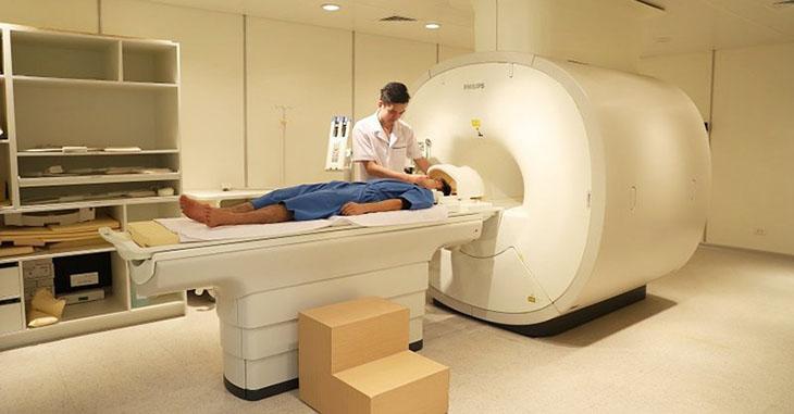 Tuỳ vào tình trạng của người bệnh mà các bác sĩ sẽ chỉ định các phương pháp chẩn đoán phù hợp