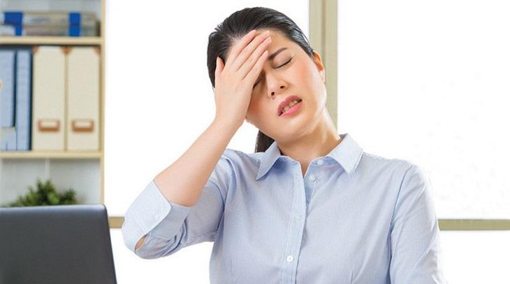 Tìm hiểu về tình trạng đau đầu và tim đập nhanh