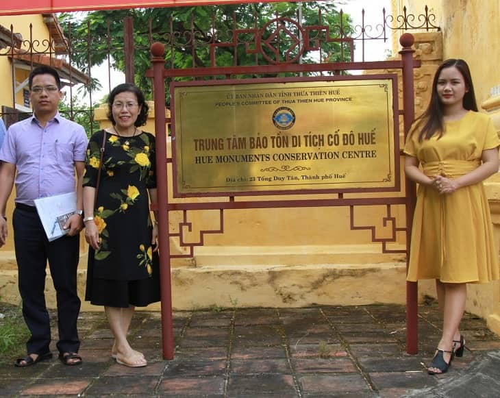 TS.BS Nguyễn Thị Vân Anh trong chuyến công tác tại Huế