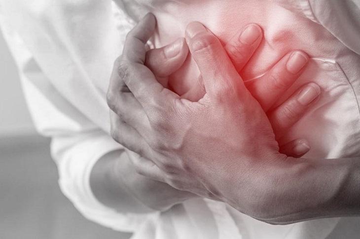 Nhồi máu cơ tim là một trong những biến chứng của việc tự ý tiêm thuốc