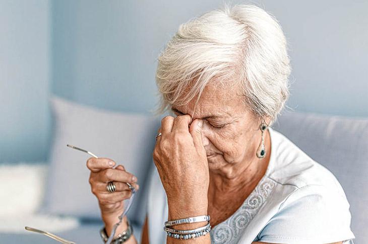 Viêm xoang ở người già ảnh hưởng nghiêm trọng đến sức khỏe và sinh hoạt