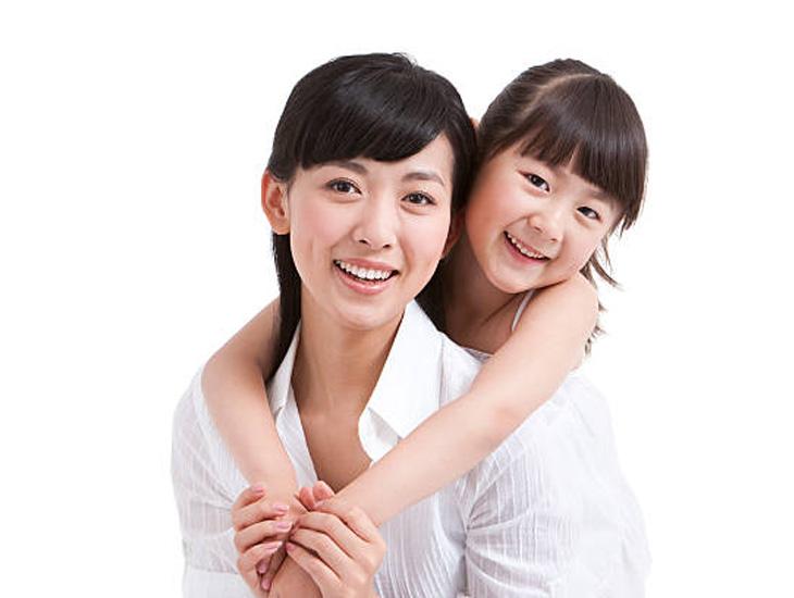 Ảnh bé Quỳnh Anh và chị Tô Quỳnh Dao